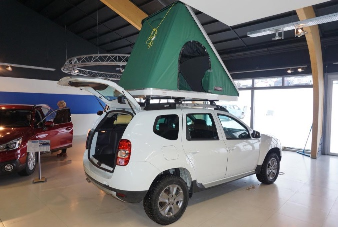 Dacia Duster 2017 / Camper / Diesel / Manual / WIFI / AUX USB GPS /Dishes and Cutlery Duvets and Pillows