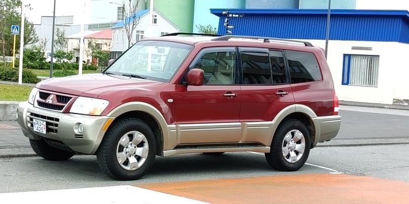 Mitsubishi Pajero | BENZIN | Automatic | 4x4  | Not Available to 02.09.2021